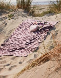 Essenza Belen Woodrose Beach towel 100 x 180