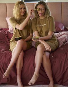 Covers & Co Nava Uni Gold Nightdress short sleeve M