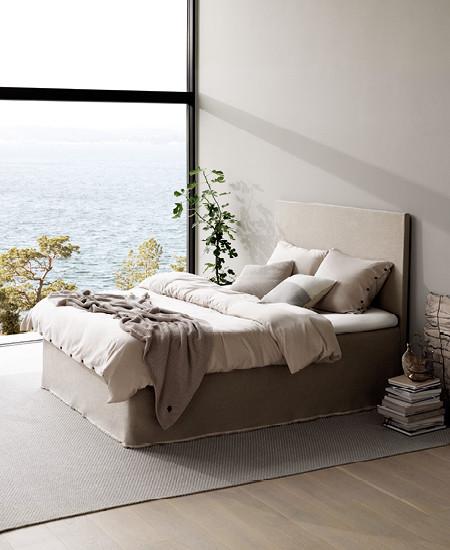 ESSENZA Bed