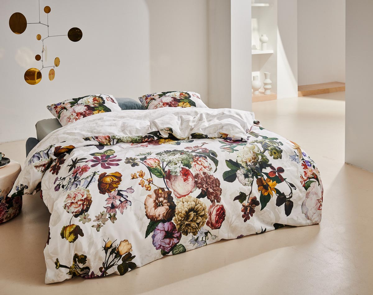 How do i look after my duvet cover set?