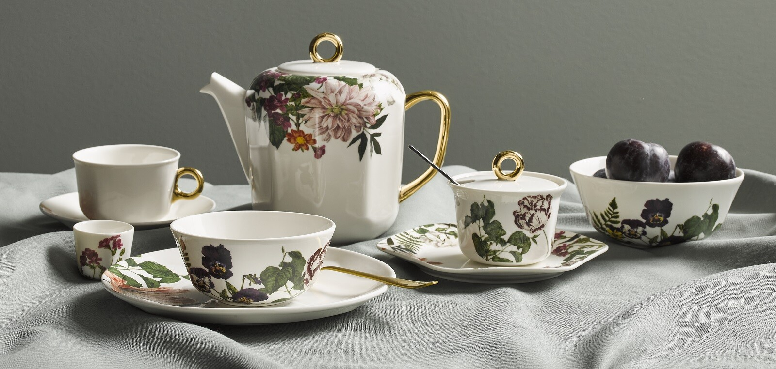 ESSENZA Gallery Porcelain Off white
